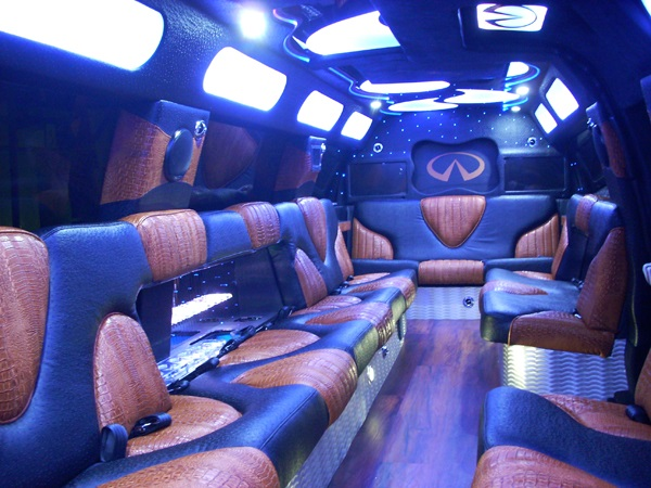 20 Passenger SUV Limo / Infinity